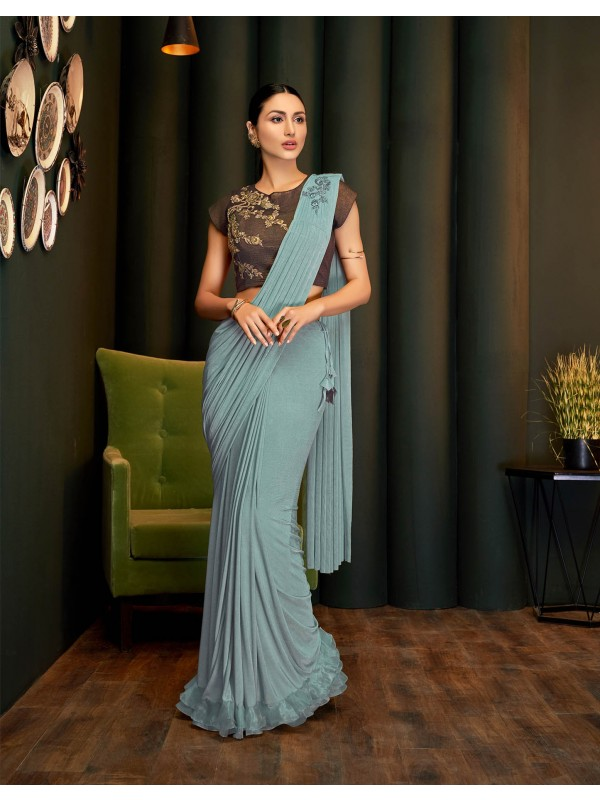 A graceful, modern and agile Grey saree