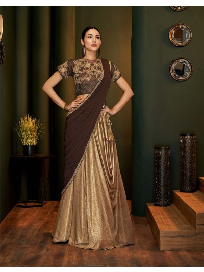 Be a fashionista straight out of a style magazine in this cowl lehenga saree